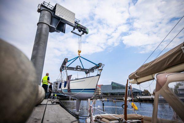 kranar, hamnkran - båt